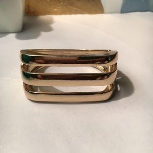 Gold bar cuff